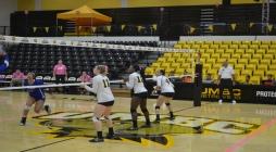 Volleyball Splits Weekend Matches