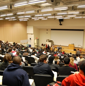 UMBC needs to make smaller class sizes a priority