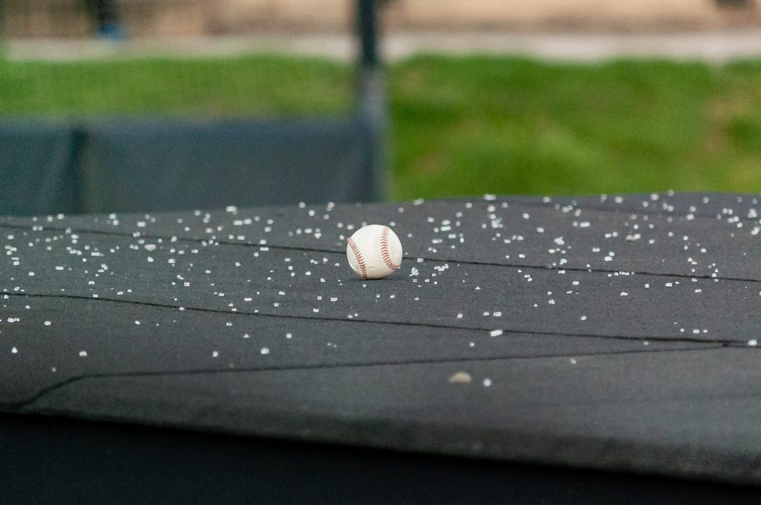 Baseball players from fall scandal return