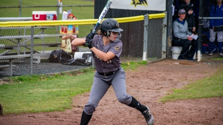 Softball sweeps Coppin State in double-header