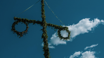 "Review: you might leave before ""Midsommar"" ends"
