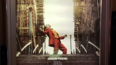"Review: The new Joaquin Phoenix ""Joker"" is like no other"