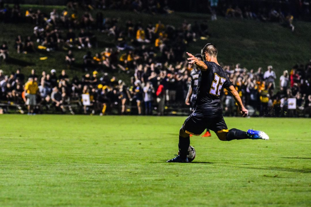 Men's soccer notches impressive comeback