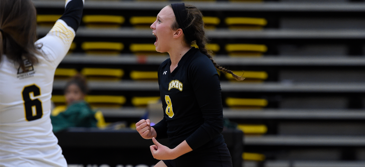 Kristin Watson leads women's volleyball's taut defense